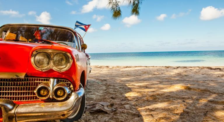 Oldtimer am Strand, Kuba